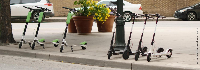 E Scooter Erst Versicherungsplakette Kleben Dann Fahren